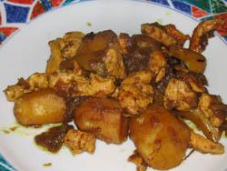 Curry de pommes de terre au poulet