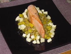 Saumon grillé, mangue et aubergine aux noisettes éclatées