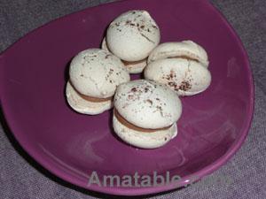 Macarons à la pralinoise