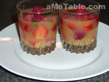 Verrine de fruits en gelée d'orange